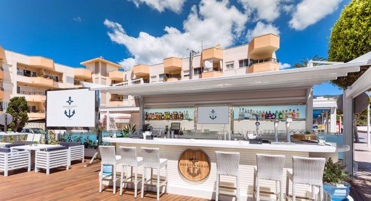 Barbuda Beach Bar & Grill