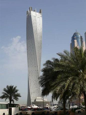 Dubai Marina-Cayan Tower