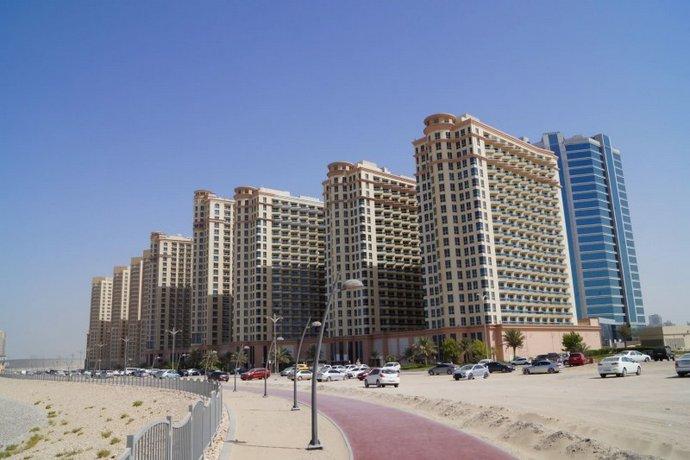 Homestay in Dubai near Jumeirah Golf Estates