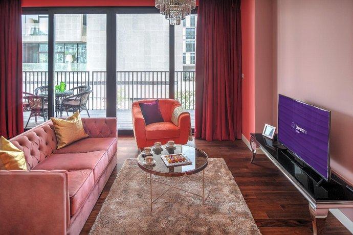 Dream Inn - Alluring 3 Bedroom Apartment in City Walk