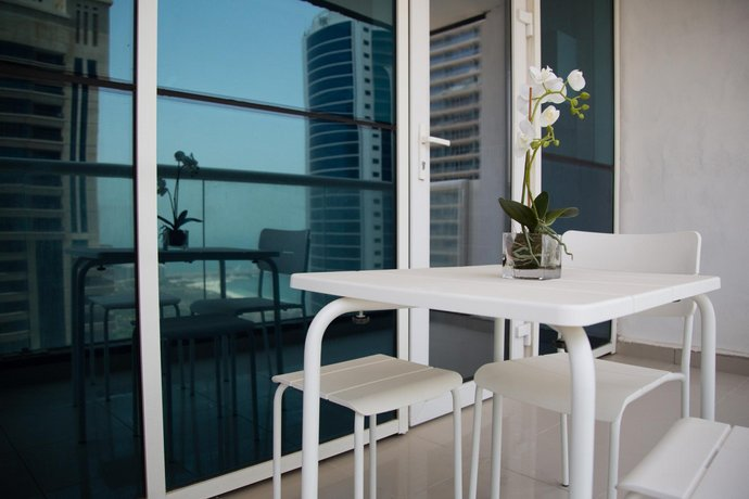 2br Apartment In Marina - Amazing Palm Views