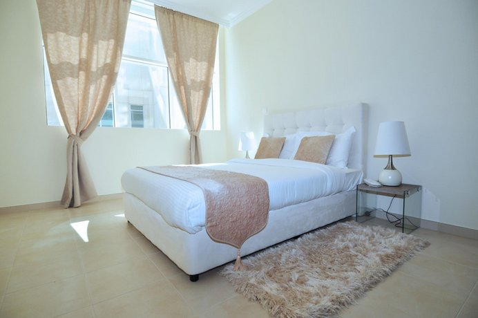 2 Bedroom Apartment Few Mins From Burj Khalifa