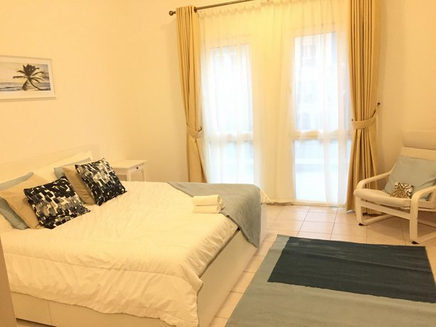 Gorgeous 1 Bedroom Apartment In Discovery Garden