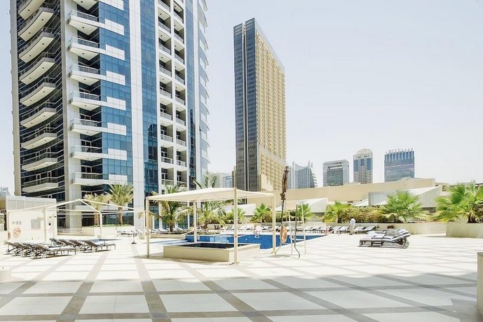 Maison Privee - Modern Apt w/ Stunning Dubai Marina Views
