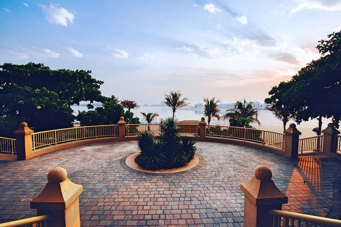 One Perfect Stay - 4 bedroom apartment on Palm