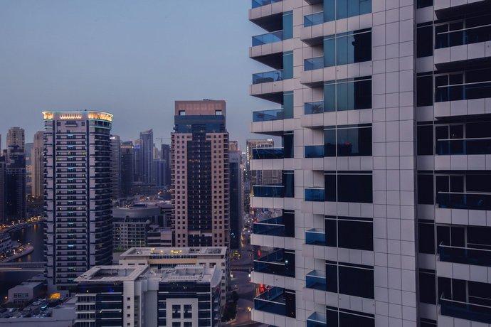 Huge Luxury Marina Apartment balconies pool&view