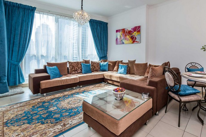 One Bedroom Apartment in Dubai Marina by Deluxe Holiday Homes