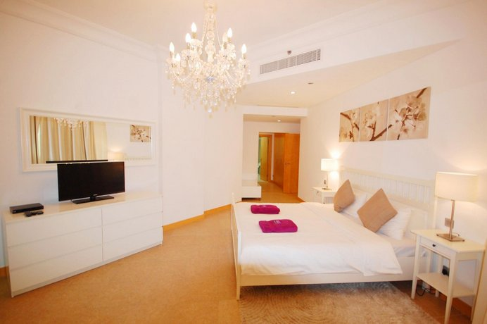 Kennedy Towers - Al Tamr 2 Bed Community View
