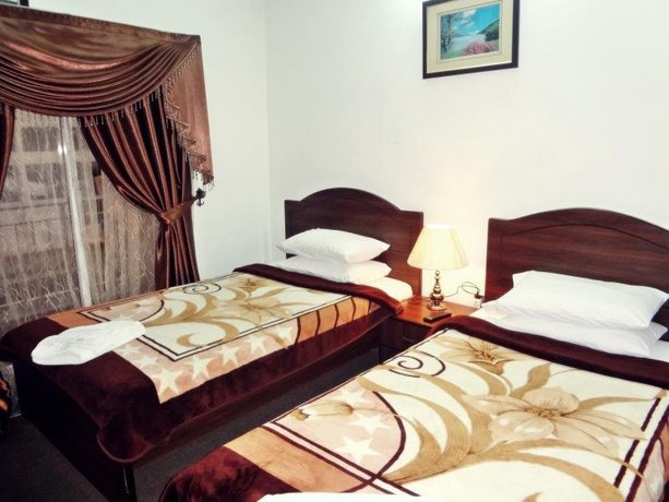 Lapaz Hotel