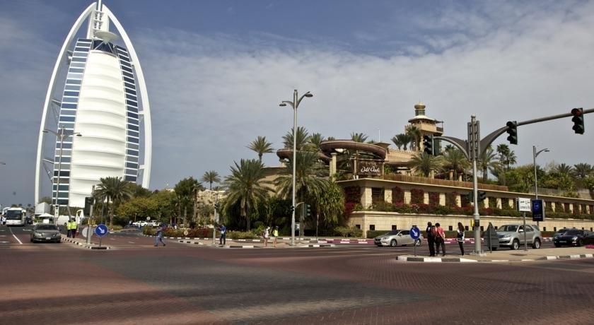 Jumeirah Holiday House
