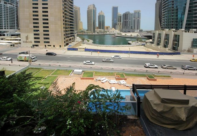Hometown Apartments - 2 BR Apartment with lovely Marina views