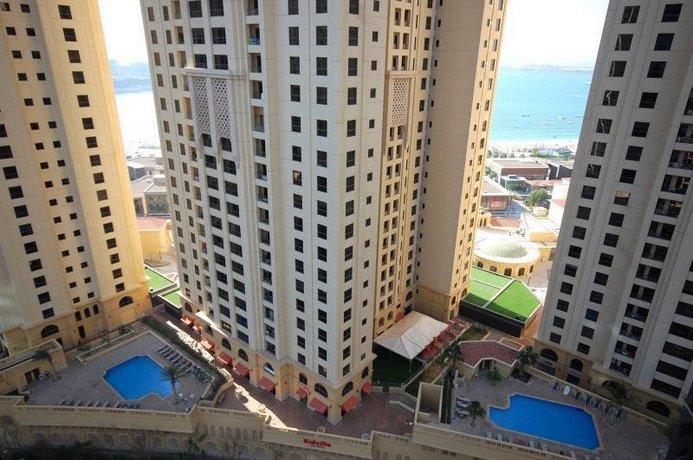 Kennedy Towers - Attessa