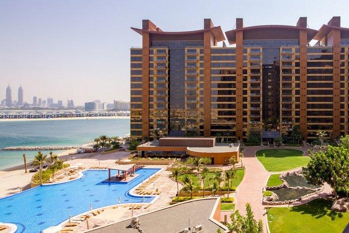 Maison Privee - Spacious Apt w/ Sea View on the Palm Jumeirah