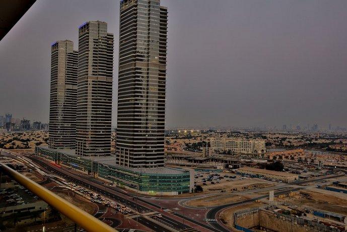 Iconic Apartment with Balcony