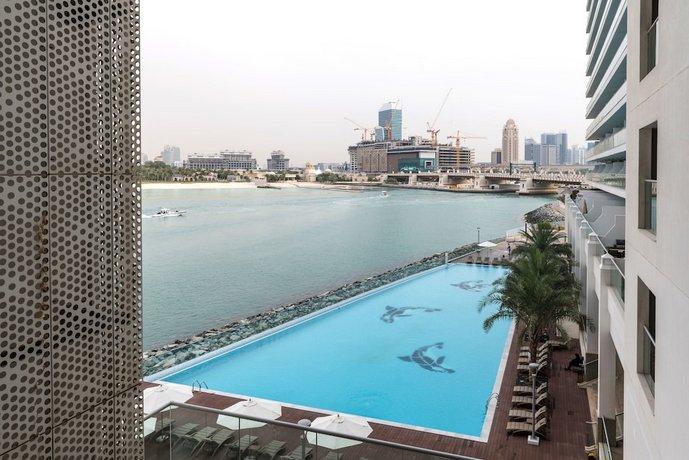Luxury Staycation - Azure Residences