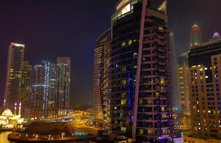High End Sea View in Dubai Marina Balcony & Pool