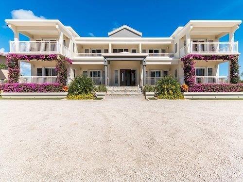 Bella Constantina Apartments