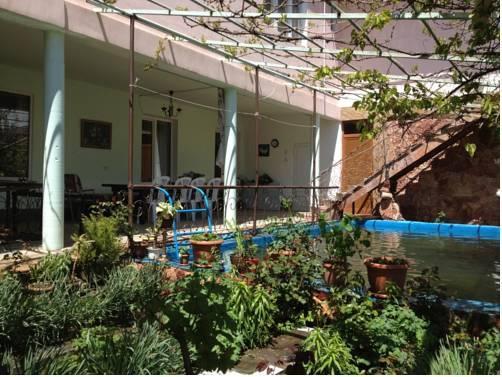 Gohar s Guest House