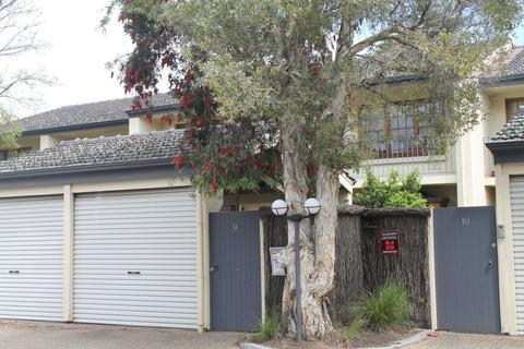 DressCircle Apartments North Adelaide-Specialty Accommodation