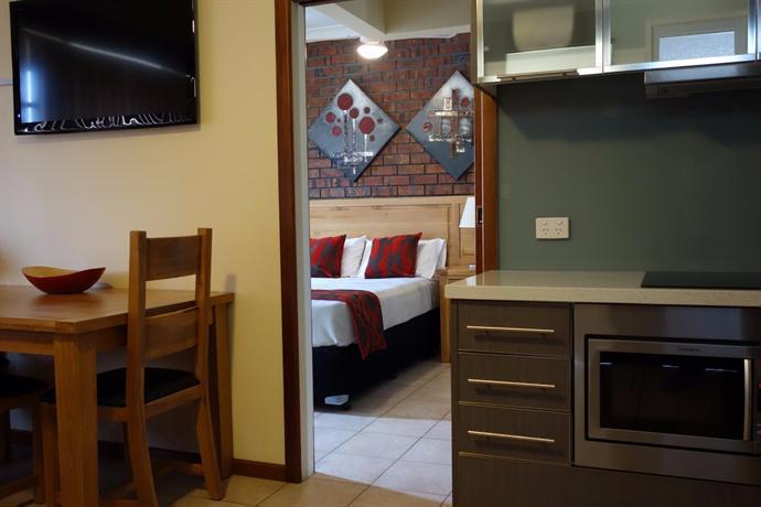 Glenelg Gateway Apartments