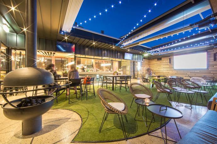 Highlander Hotel Bar Kitchen Rooftop