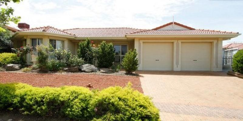 Homestay - Close to beach and McLaren Vale