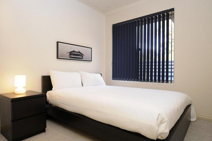 Feathers Serviced Townhouse