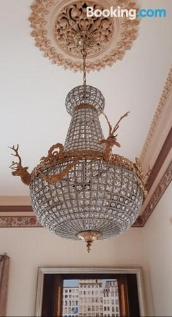 Crystal Suite - North Adelaide Mansion