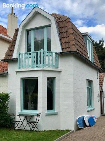 Family Beach House - Surf & Sea