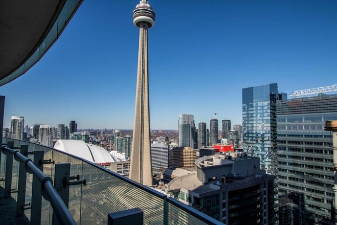 MiCasa Suites - Stylish Condo CN Tower View with Parking