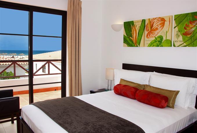 Self Catering Holidays at Tortuga Beach Resort