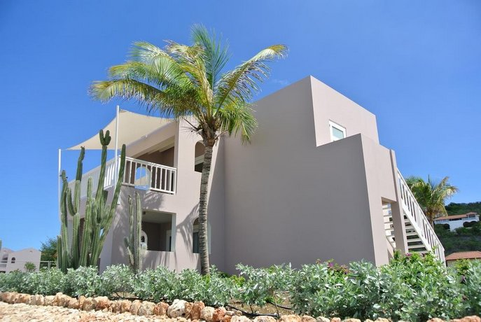 Oasis Coral Estate Beach Dive & Wellness Resort