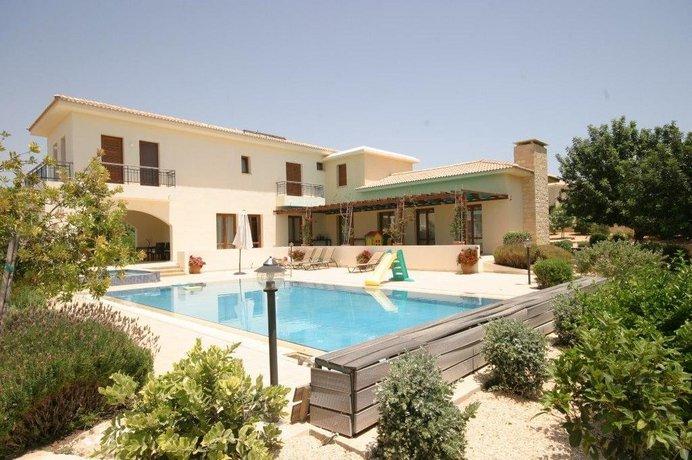 5 Br Villa Kamira - Aphrodite Hills