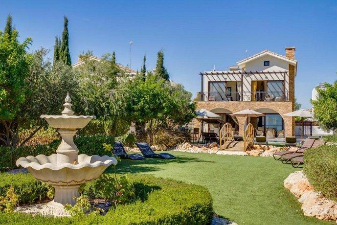 Villa Oceanus Ayia Napa
