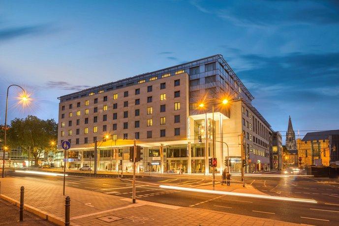 Dorint Hotel am Heumarkt Koln