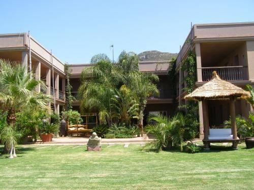 Chillout Hotel Tres Mares
