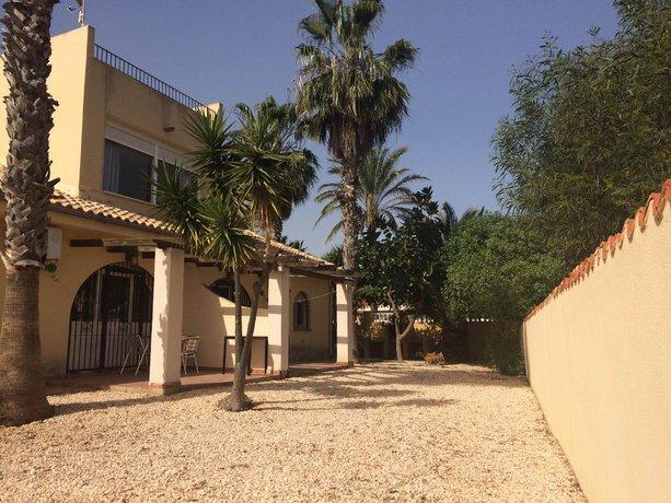 The Beach House - A Unique Beach Front Villa 4 Apartments in 1 Private Villa