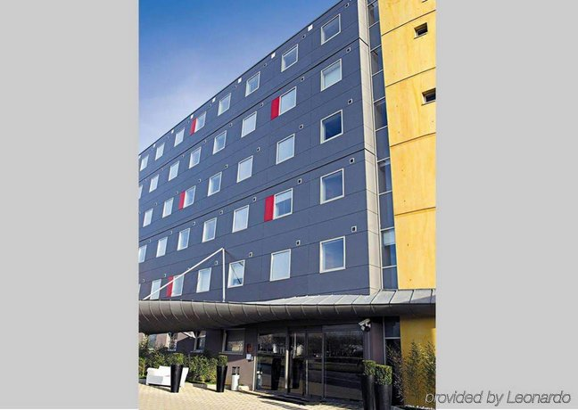Quality Only Suites CDG Airport Roissy en France