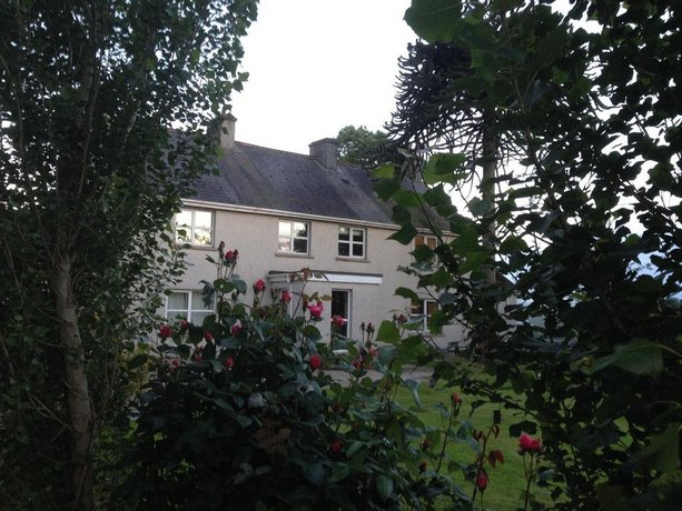 Homestay - Country farmhouse on Lough Neagh