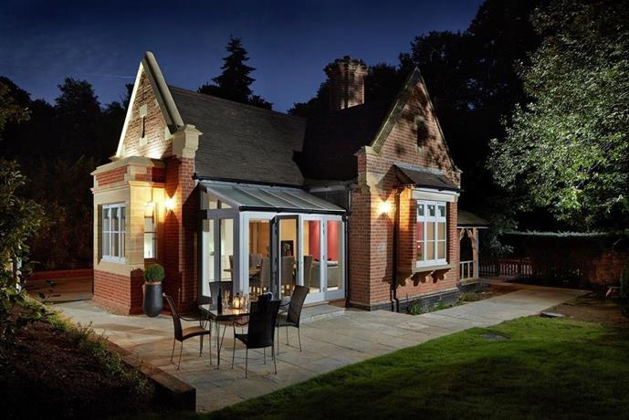Alexander House Gatehouse Lodge
