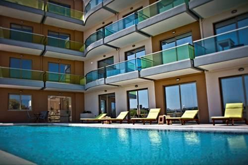Crystal Bay Hotel