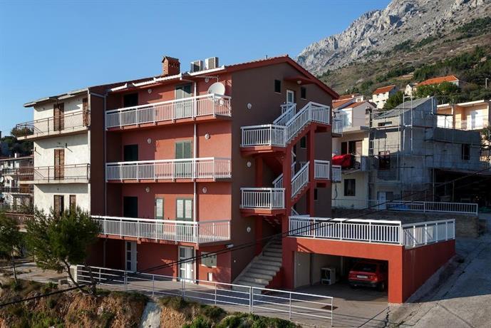 Apartments Toni Omis