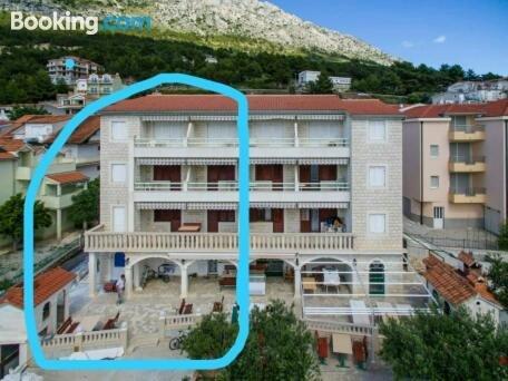 Apartment Ante Omis