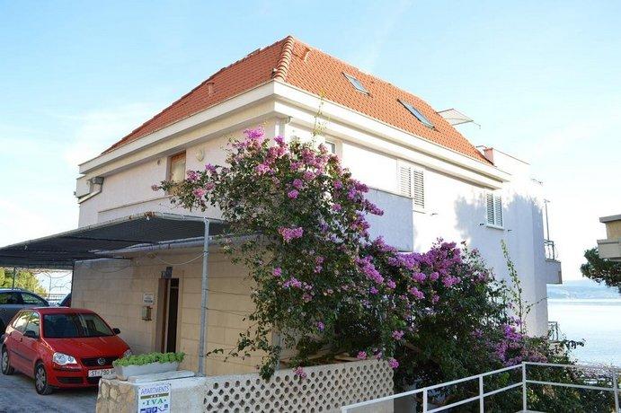 Apartments Iva Omis
