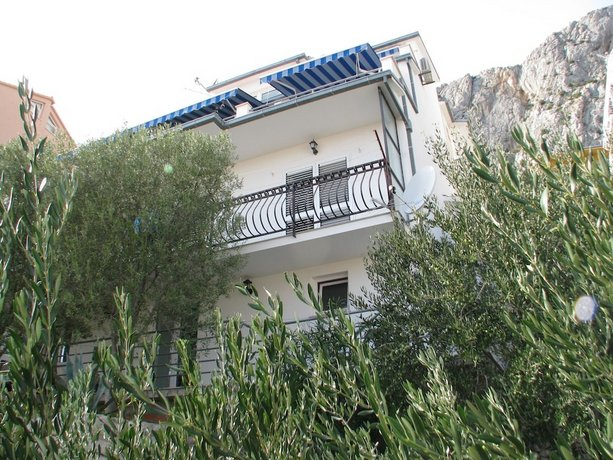 Apartments Milena Omis