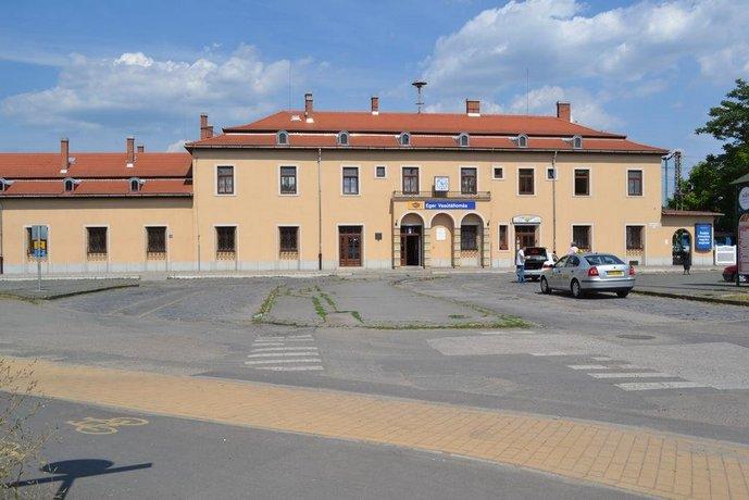 Lokomotiv Motel