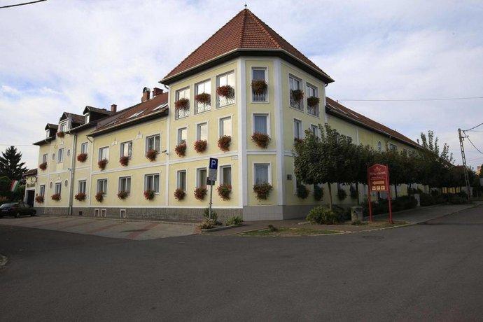 Hotel Korona Wellness Rendezveny es Borszalloda