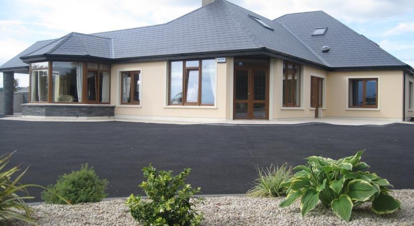 Killarney House Tralee