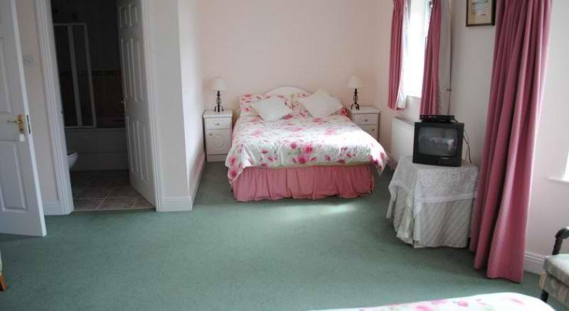 Oldcourt House Bed and Breakfast