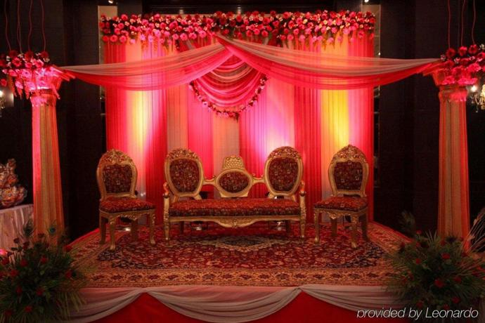 Country Inn & Suites by Radisson Delhi Satbari